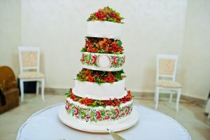 Vierstöckige Hochzeitstorte in kunterbunt. (#04)
