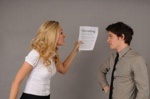 Im Falle der Scheidung wird durch einen Vergleich das Anfangs-und Endvermögen ermittelt.