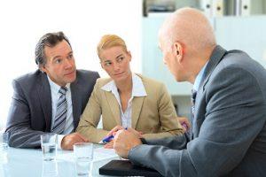Einen Ehevertrag kann vor oder auch während der Ehe geschlossen werden. (#03)
