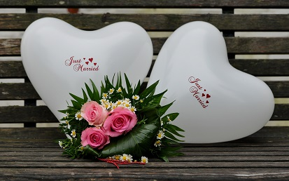 Manchmal ist es auch schwierig ein passendes Geschenk für das Brautpaar zu finden. (#03)