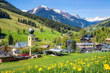 Bergromantik und gemütlicher Almcharakter findet ihr in der Reiter Alm in Airing an der Grenze zu Österreich. (#10)