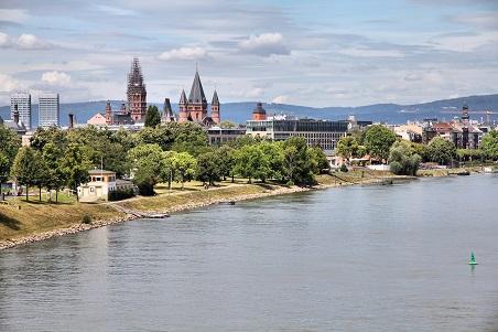 Das idyllisch gelegene Superior Hotel-Restaurant in Köngernheim bei Mainz bietet 30 gemütliche Zimmer.(#07)