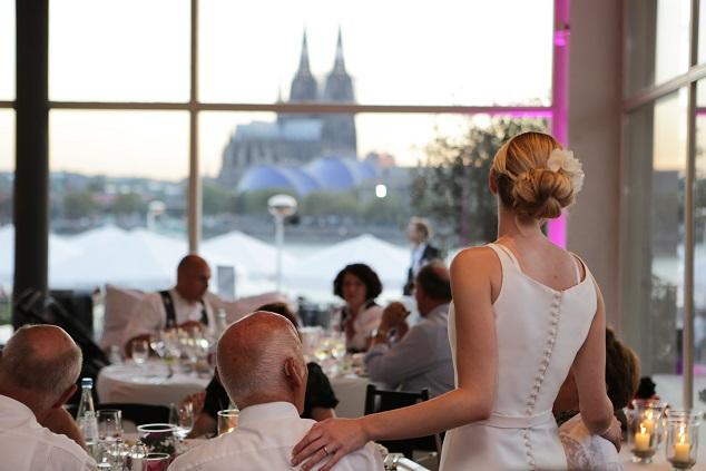 Eine Hochzeitsrede sollte immer gut durchdacht und gut vorbereitet sein.(#02)