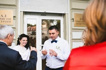 Eine Hochzeitsrede sollte immer gut durchdacht und gut vorbereitet sein.