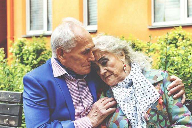 """Nach 60 Jahren: Wie alle Hochzeitstage, hat auch das 60-Jährige Hochzeitsjubiläum seinen ganz eigenen Namen — Die """"Diamantenhochzeit"""". (#06)"""