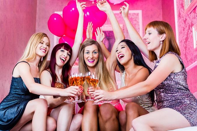 Ein Junggesellinnen Abschied ist nicht wegzudenken. Sprecht mit Euren Trauzeugen oder der Arbeitsgruppe darüber. (#09)
