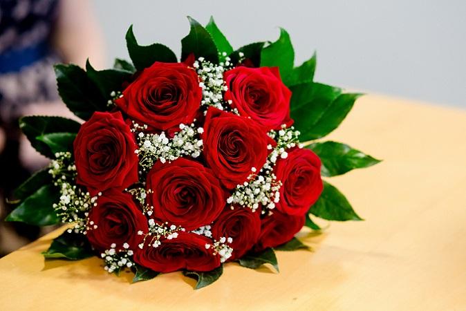 Vor allem rote Rosen sind die Botschafter für tiefe, innige Liebe. (#07)