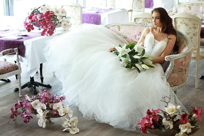 Ein wichtiges Highlight verlangt jetzt Eure volle Aufmerksamkeit: Das Brautkleid. (#05)