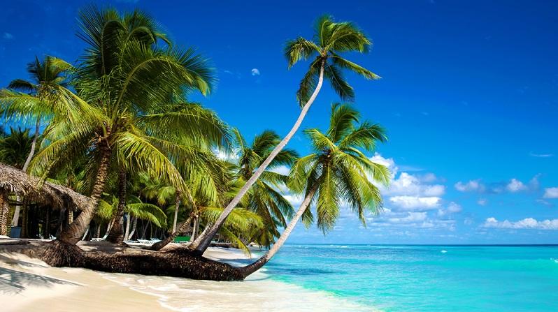 Wer einen Flug in die Karibik bucht, sollte je nach Lage der bevorzugten Insel auf die Reisezeit achten. Die Inseln über dem Wind sind stark vom Passat beeinflusst und werden daher jährlich von Hurricanes heimgesucht. (#01)