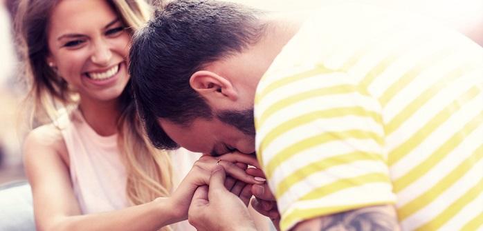 Verlobung feiern: Bräuche aus aller Welt