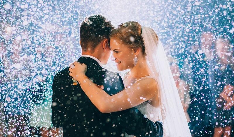 Der Tag ist Hochzeit ist der wichtigste Tag des Lebens. Er muss einfach perfekt sein. Monate, Wochen, Tage fiebert man ihm entgegen. (#01)