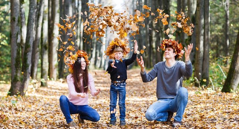 Das Linden-Jubiläum ist wieder ein Jahrestag, der an das Holzmotiv in der Ehe anlehnt. Es spiegelt die robuste Beständigkeit und Unschuld in der Beziehung wieder.(#09)