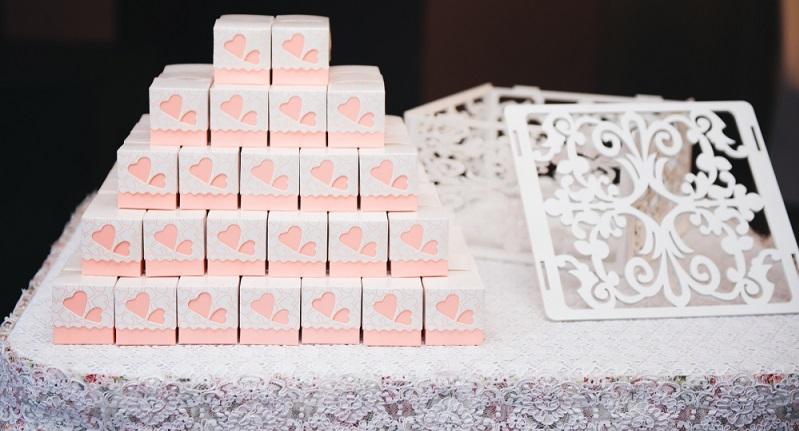Es ist einer der schönsten Bräuche zur Hochzeit, den Gästen am Hochzeitstag ein Gastgeschenk zu überreichen. (#09)