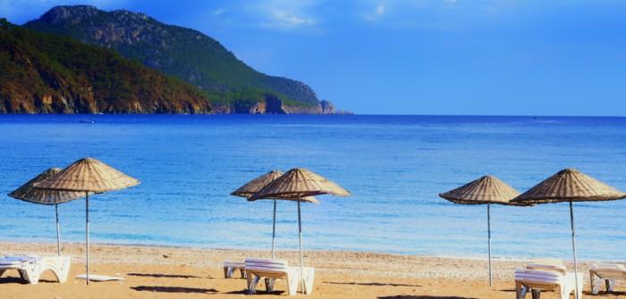 Auch die lykische Küste der Türkei hat mehr als ein Glückshotel zu buchen. Der Strand lockt und die Stadt bietet vielseitige Vergnügungen. (#3)