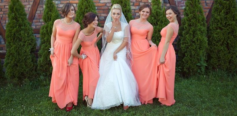 Es ist eine große Ehre, ausgewählt zu werden, um das Hochzeitspaar bei der Planung der Feier zu unterstützen und am Hochzeitstag diese besondere Rolle einzunehmen.