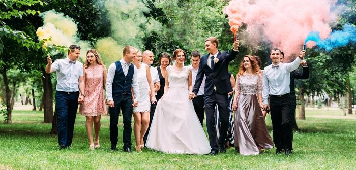 Einladung zur Hochzeit: Welche Frisur als Hochzeitsgast?