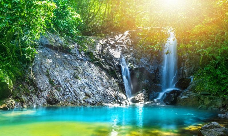 Wanderfreunde werden die Tour zum Ton Chong Fa Wasserfall lieben.