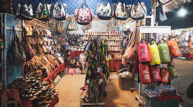 Der Bang Niang Market ist die Nummer Eins unter den Einheimischen von Khao Lak.
