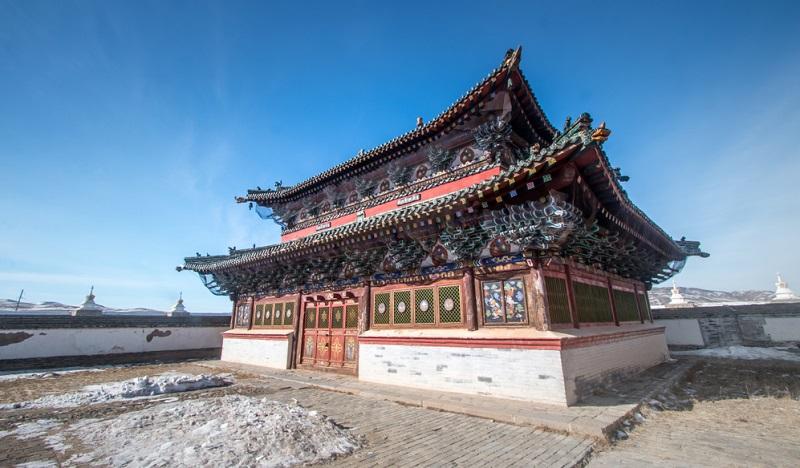 Karakorum ist einer der sagenumwobenen Orte des Landes. Im Jahre 1220 von Dschingis Khan gegründet, war Karakorum einst die Hauptstadt des mongolischen Reiches.