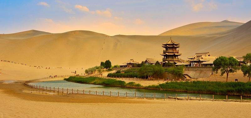 Auch beim Thema Wetter ist die Mongolei ein Land der Kontraste. Das extreme, kontinentale Klima, das durch die Binnenlage hervorgerufen wird, kann sehr ungemütlich werden.