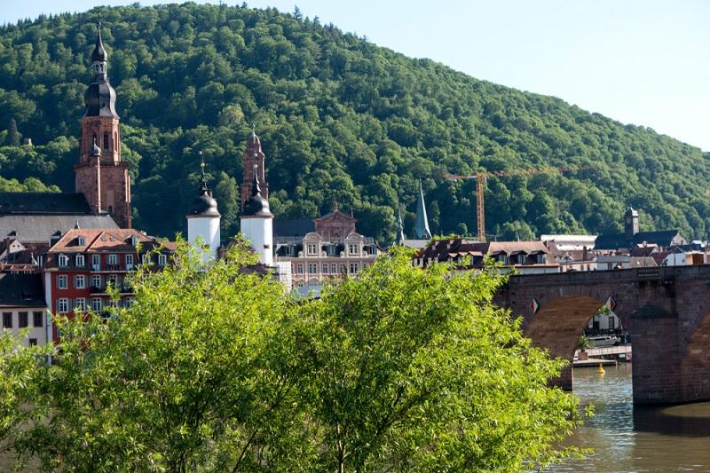 Der Hausberg der Stadt thront in einer Höhe von rund 600 m und ist ein ideales Ziel für alle Verliebten.