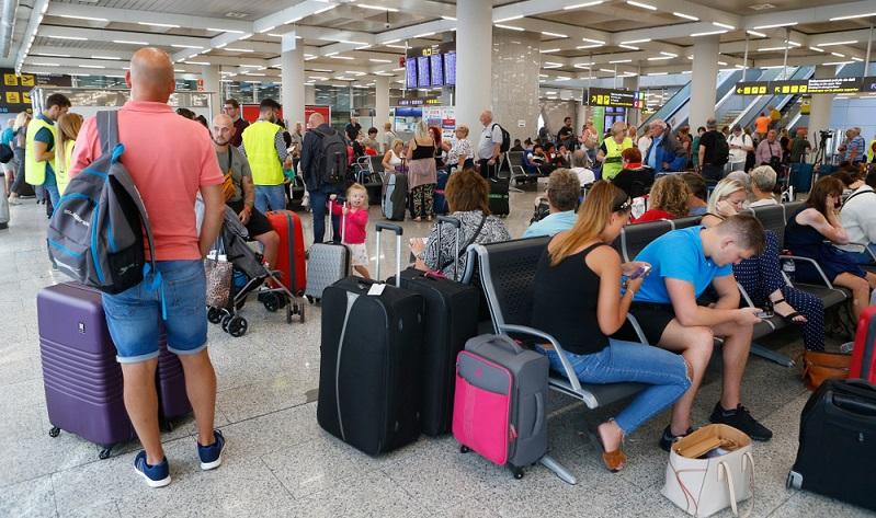 Es wird davon ausgegangen, dass sich nach der Pleite von Air Marin insgesamt rund 200.000 Betroffene melden werden, denn es ist nicht nur Air Marin betroffen, sondern die gesamte Thomas Cook Gruppe.  ( Foto: Shutterstock-zixia)