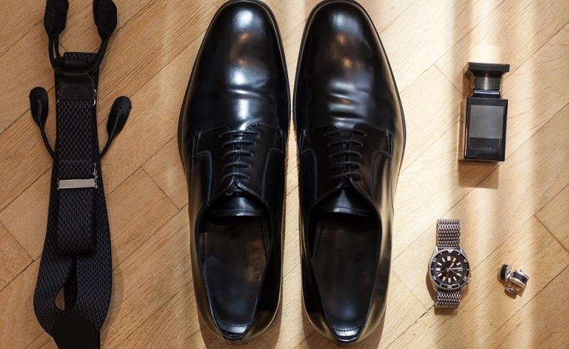 Mit einem schwarzen Anzugschuh macht man nie einen Fehler ( Foto: Shutterstock-_me_slavka)