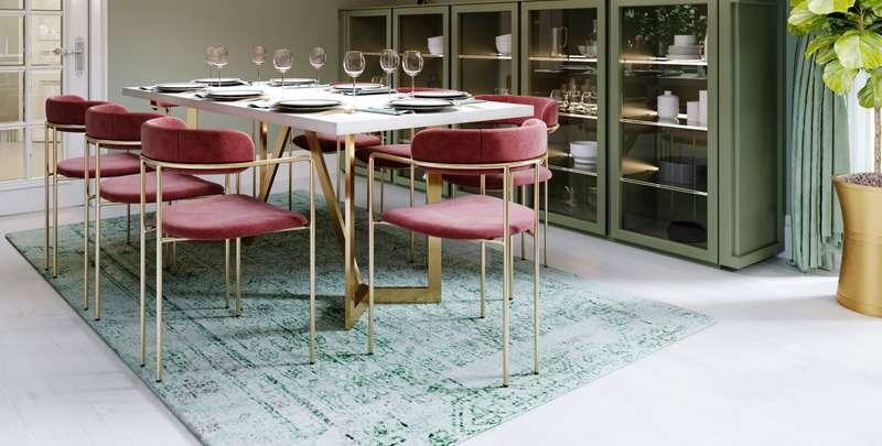 Der Tisch wird zum Mittelpunkt im Raum werden und darf ruhig viel Platz einnehmen. ( Foto: Shutterstock- KUPRYNENKO ANDRII )